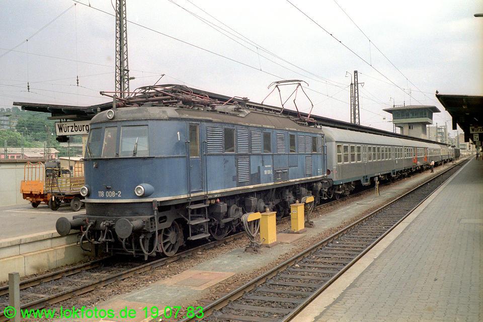 http://www.lokfotos.de/fotos/1983/0719/02592.jpg