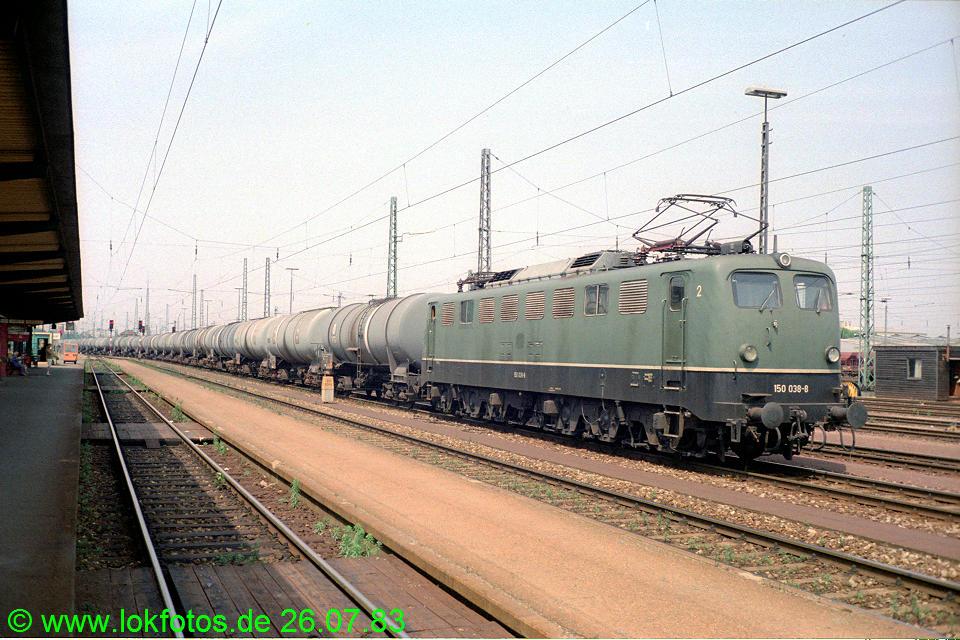 http://www.lokfotos.de/fotos/1983/0726/02756.jpg