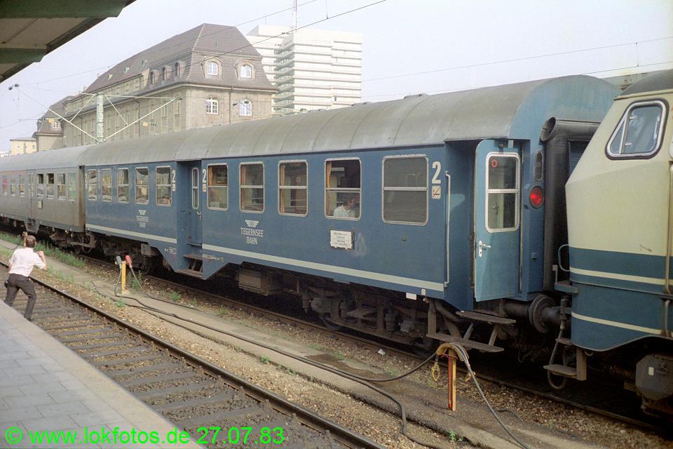 http://www.lokfotos.de/fotos/1983/0727/02763.jpg