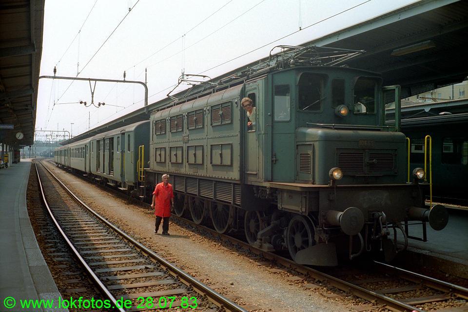 http://www.lokfotos.de/fotos/1983/0728/02789.jpg