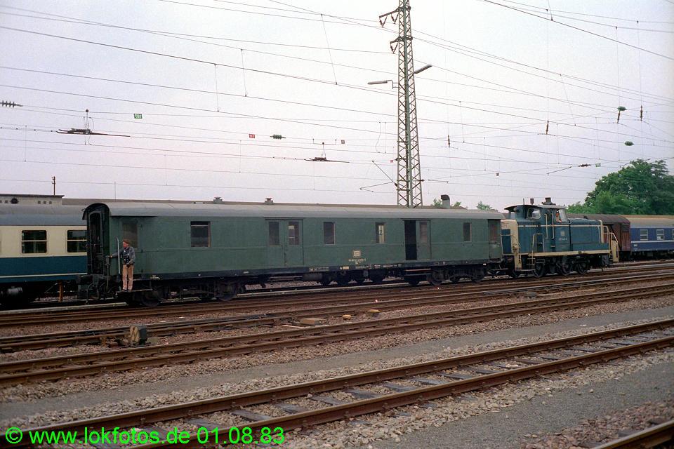 http://www.lokfotos.de/fotos/1983/0801/02819.jpg