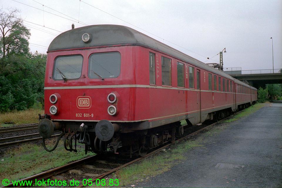 http://www.lokfotos.de/fotos/1983/0805/03004.jpg