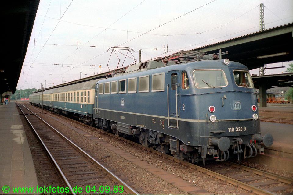 http://www.lokfotos.de/fotos/1983/0904/03012.jpg