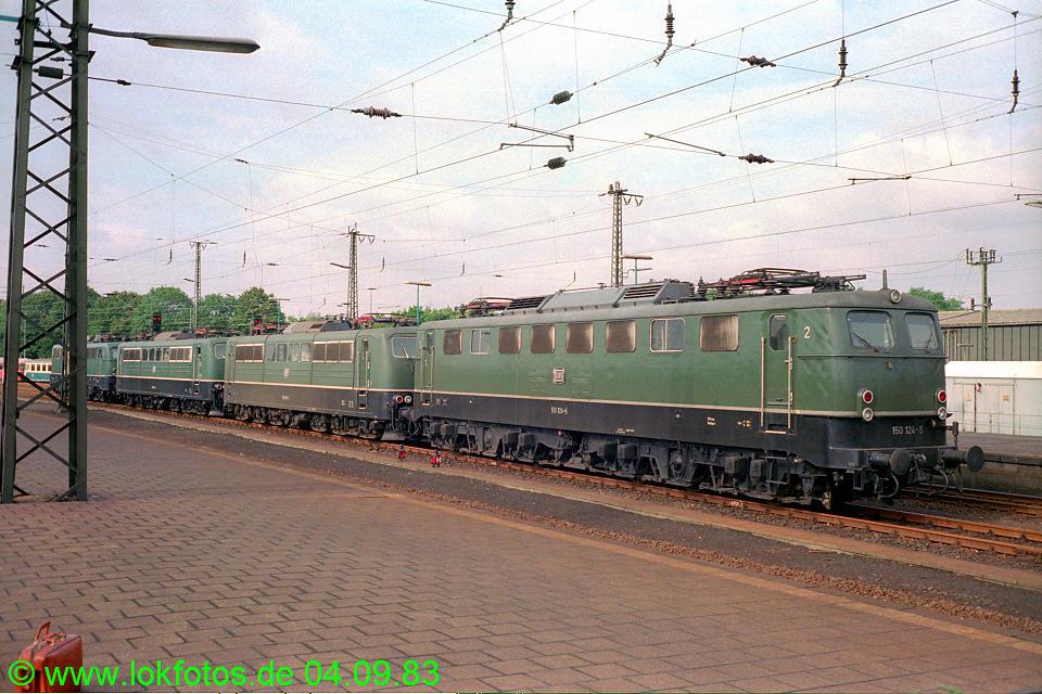http://www.lokfotos.de/fotos/1983/0904/03015.jpg
