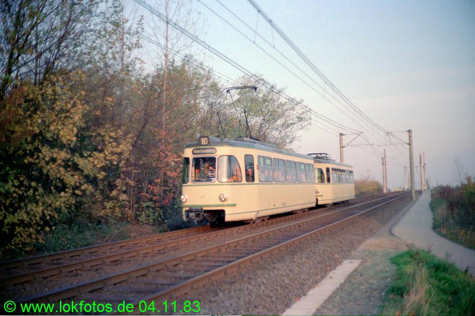 http://www.lokfotos.de/fotos/1983/1104/03122.jpg