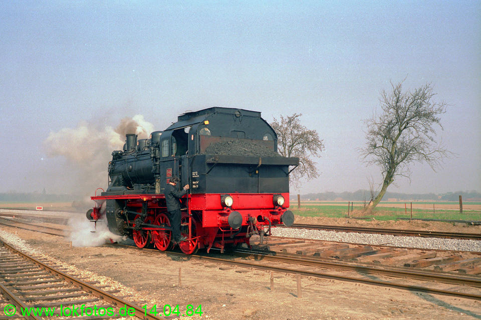 http://www.lokfotos.de/fotos/1984/0414/03276.jpg