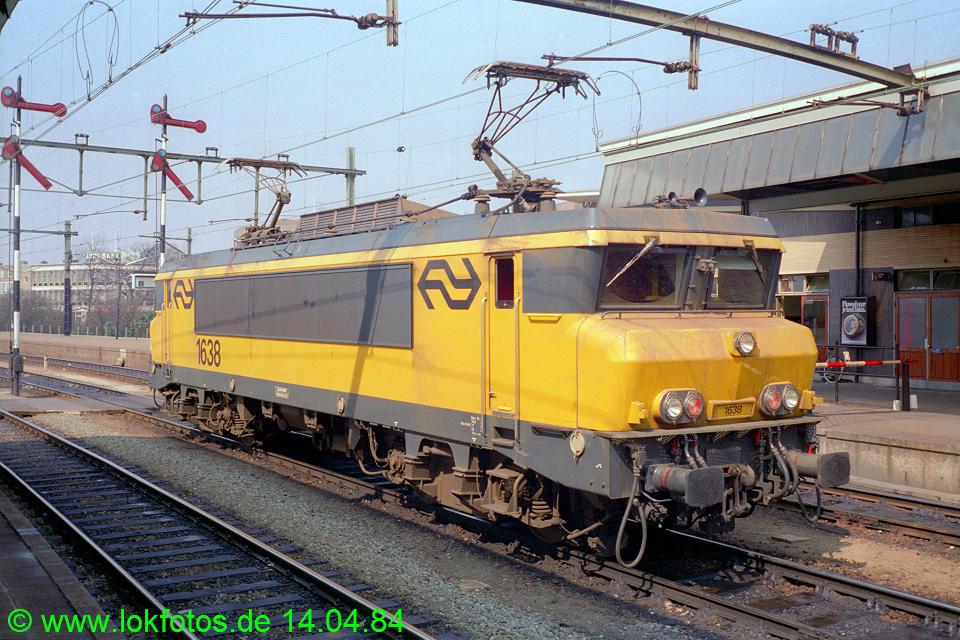 http://www.lokfotos.de/fotos/1984/0414/03286.jpg