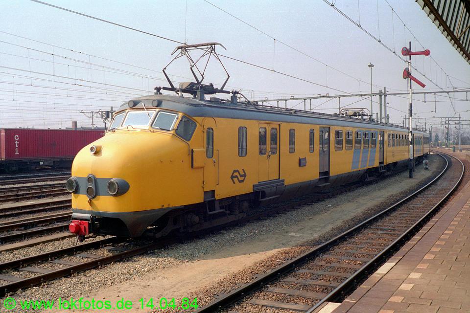 http://www.lokfotos.de/fotos/1984/0414/03287.jpg