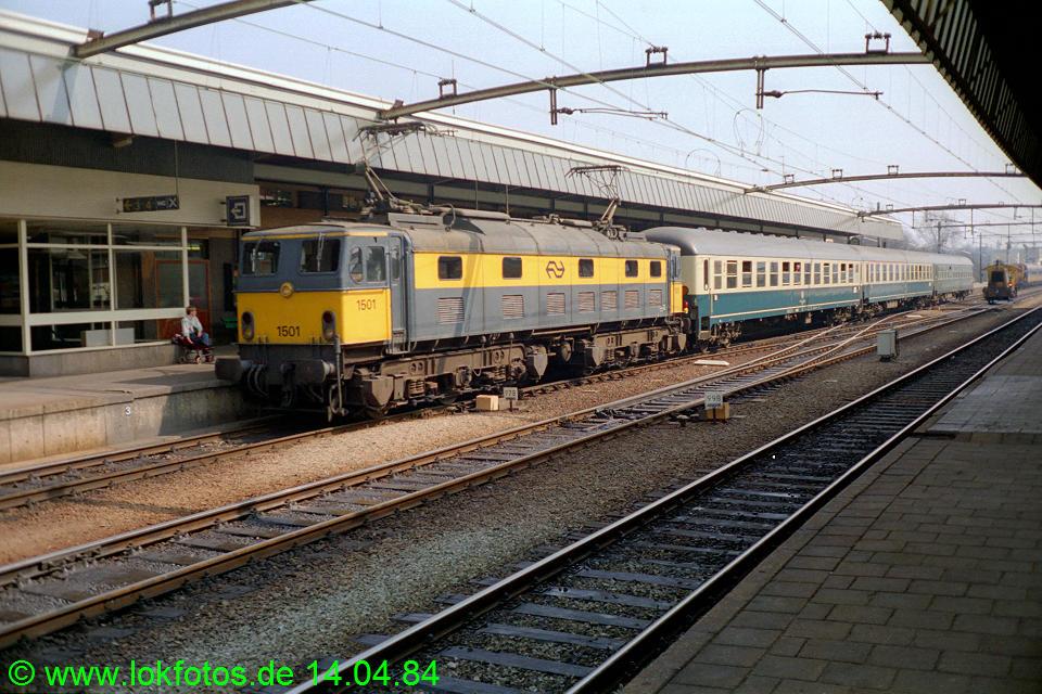 http://www.lokfotos.de/fotos/1984/0414/03289.jpg