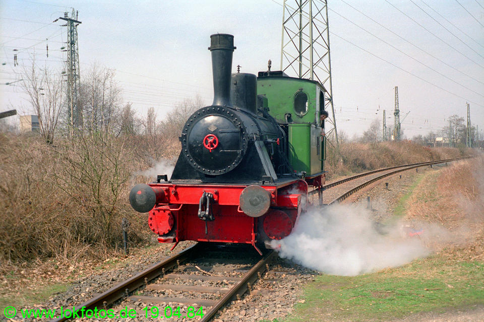 http://www.lokfotos.de/fotos/1984/0419/03310.jpg