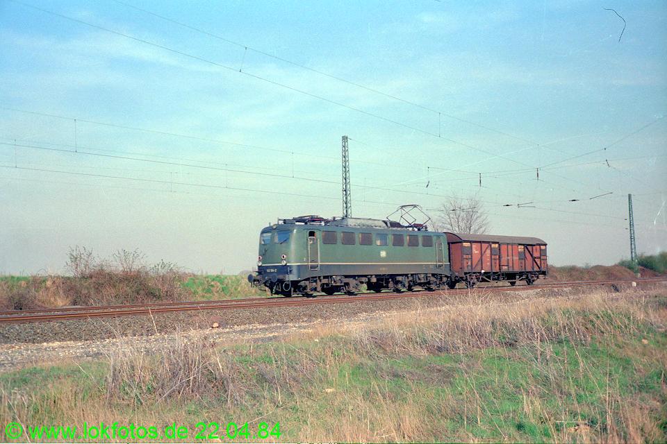 http://www.lokfotos.de/fotos/1984/0422/03333.jpg
