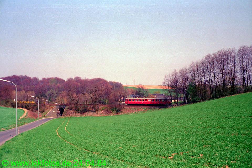 http://www.lokfotos.de/fotos/1984/0424/03345.jpg
