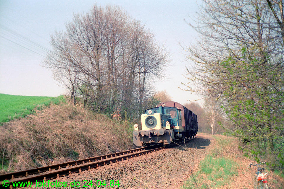 http://www.lokfotos.de/fotos/1984/0424/03347.jpg
