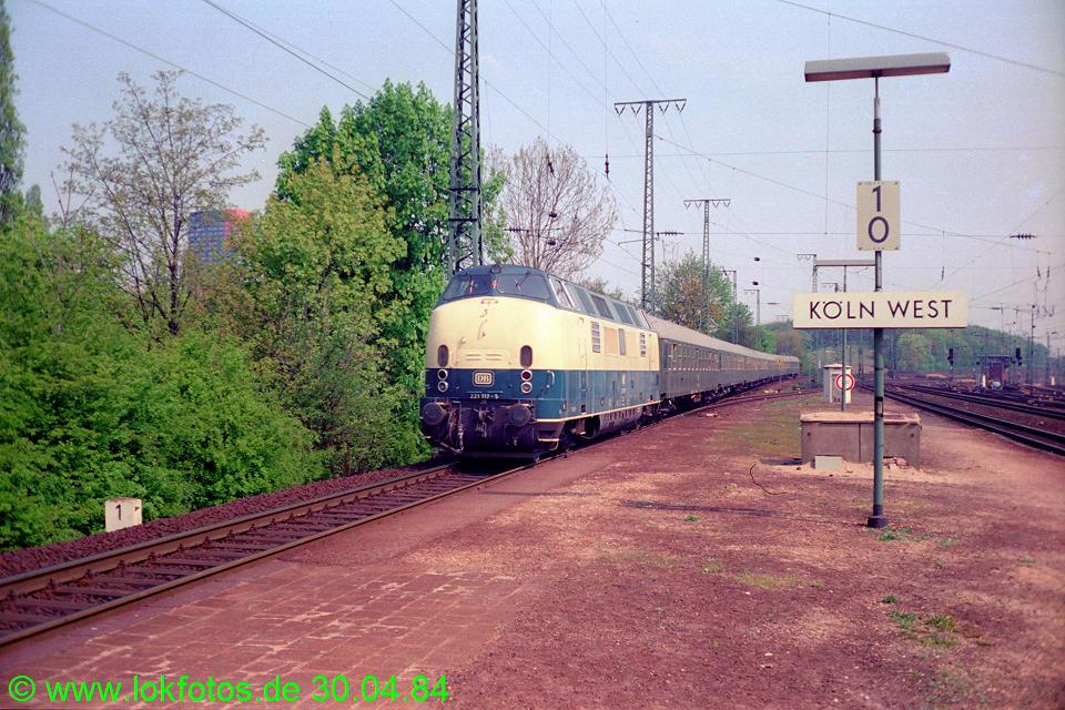 http://www.lokfotos.de/fotos/1984/0430/03358.jpg