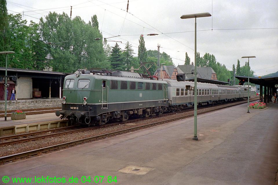 http://www.lokfotos.de/fotos/1984/0704/03490.jpg