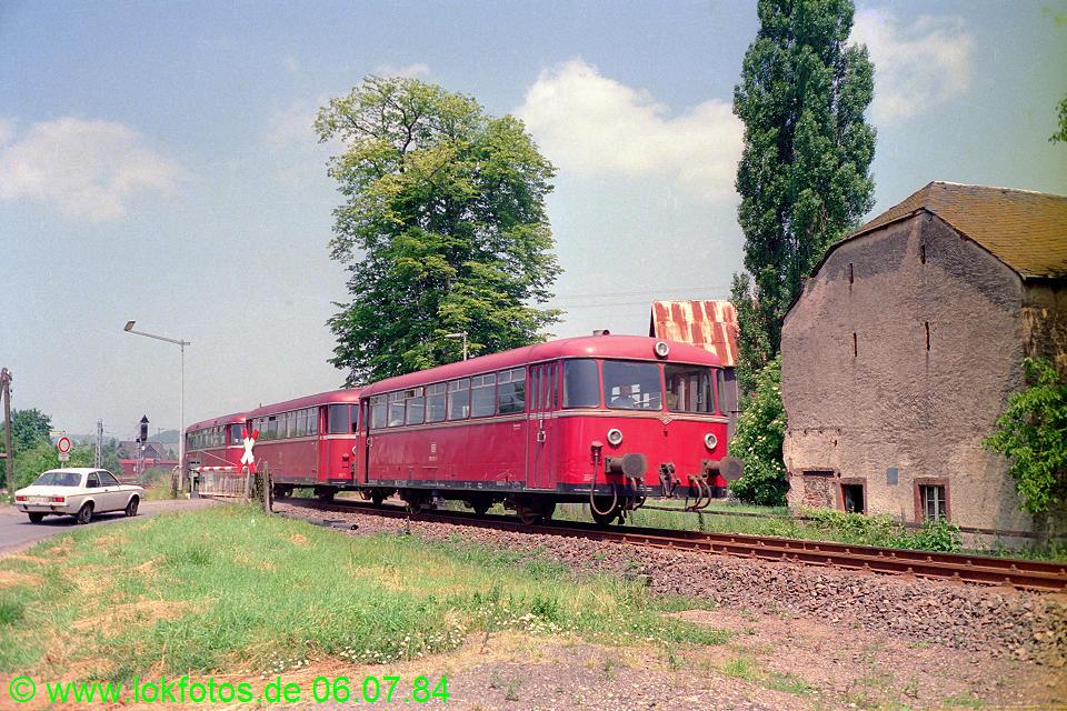 http://www.lokfotos.de/fotos/1984/0706/03531.jpg