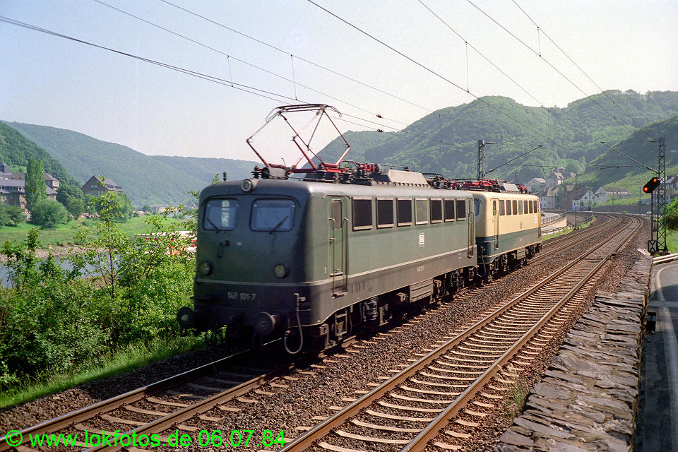 http://www.lokfotos.de/fotos/1984/0706/03537.jpg