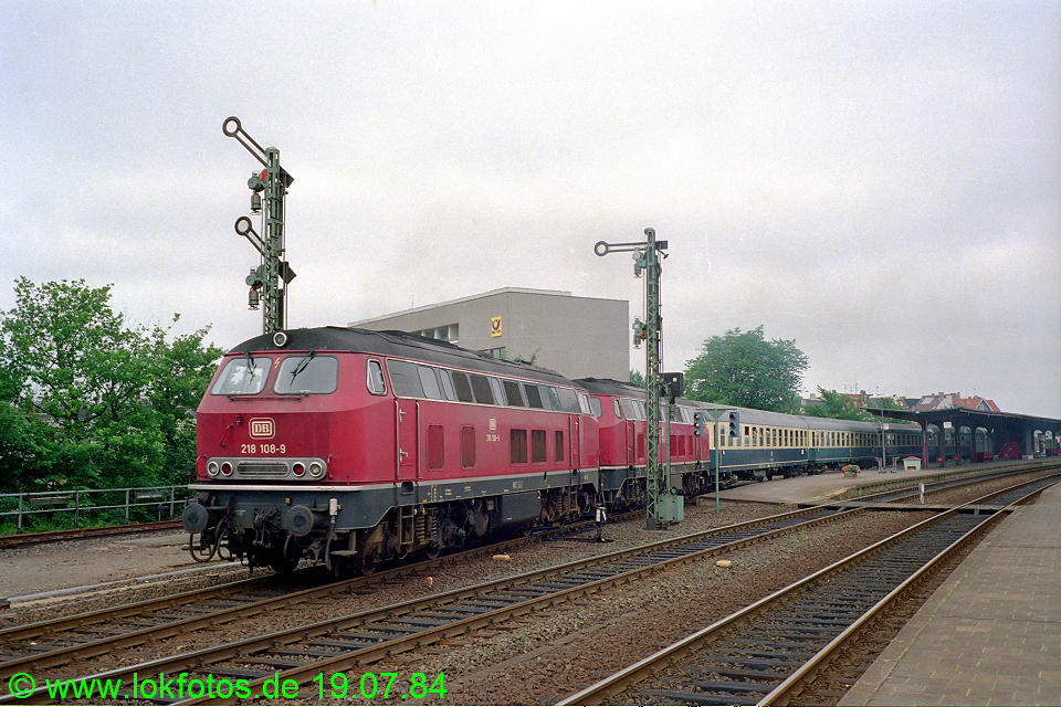 http://www.lokfotos.de/fotos/1984/0719/03712.jpg