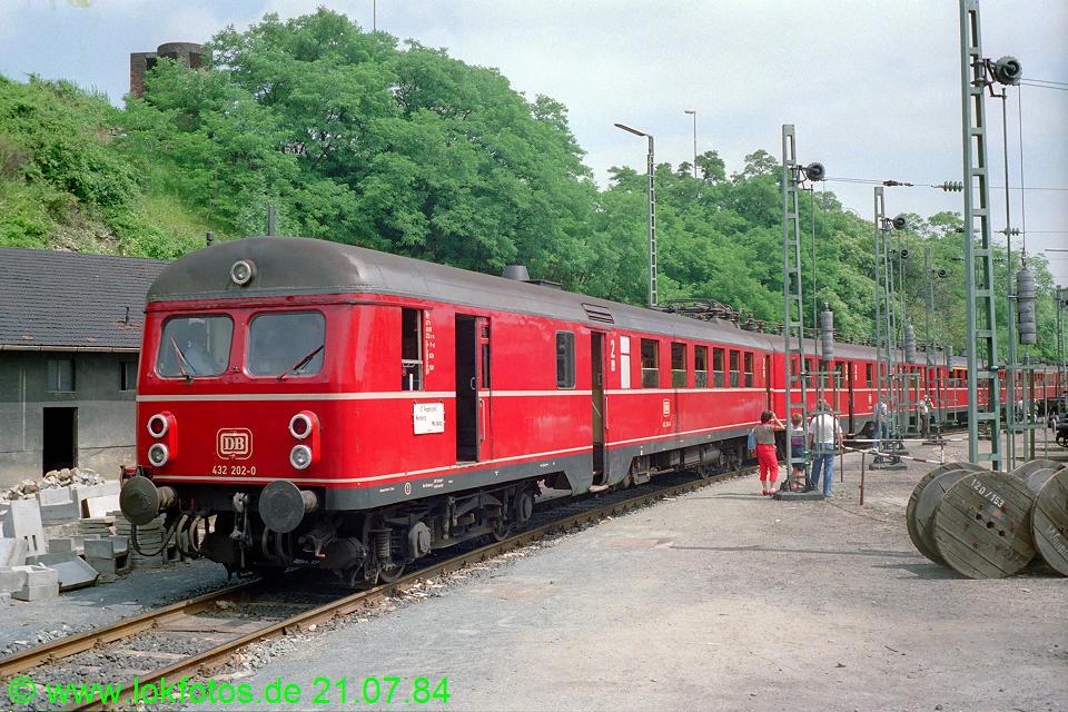 http://www.lokfotos.de/fotos/1984/0721/03815.jpg