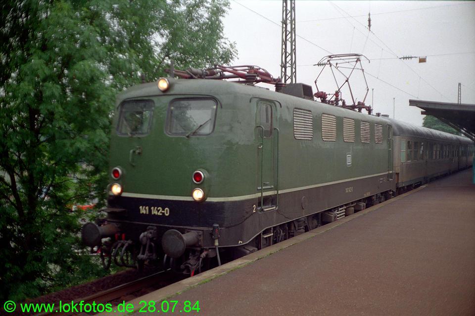 http://www.lokfotos.de/fotos/1984/0728/04047.jpg