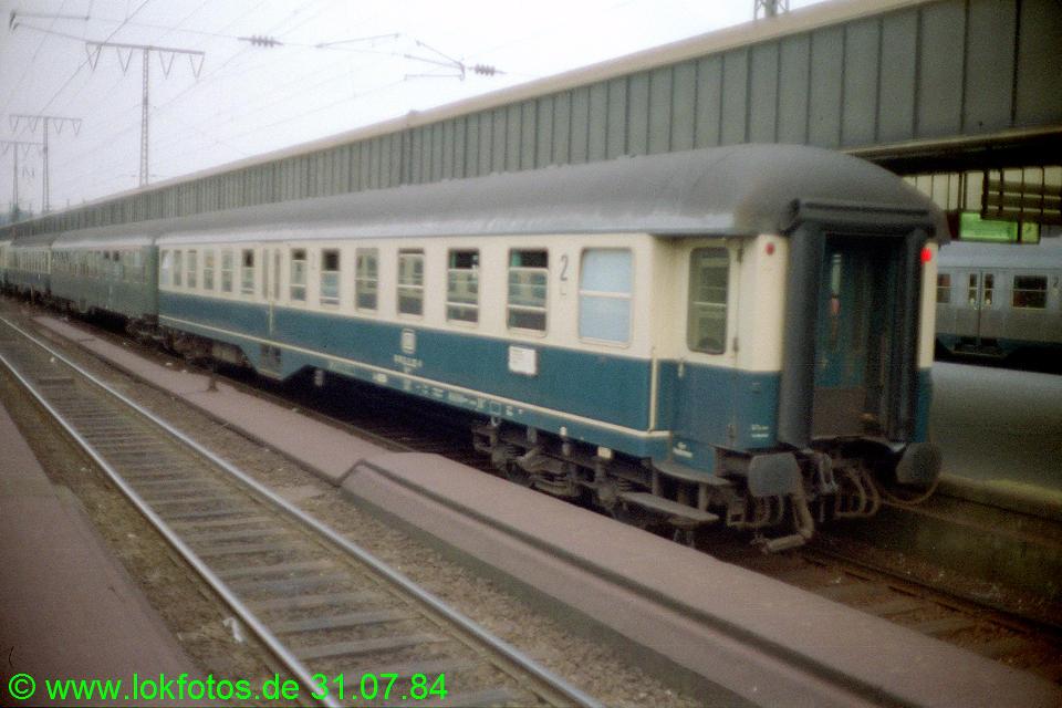 http://www.lokfotos.de/fotos/1984/0731/04106.jpg