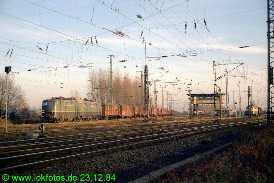http://www.lokfotos.de/fotos/1984/1223/04384.jpg