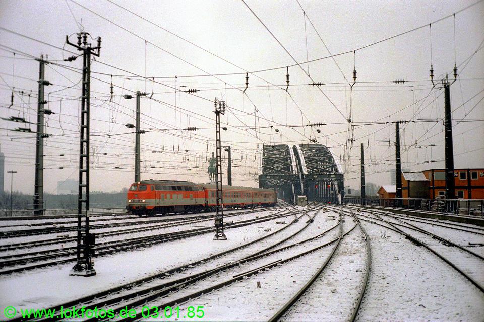 http://www.lokfotos.de/fotos/1985/0103/04394.jpg