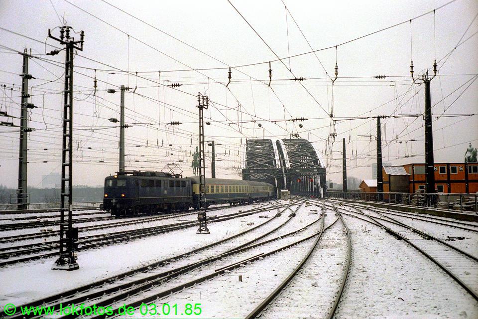 http://www.lokfotos.de/fotos/1985/0103/04395.jpg