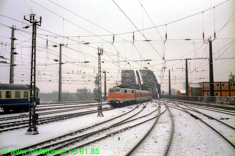http://www.lokfotos.de/fotos/1985/0103/04396.jpg