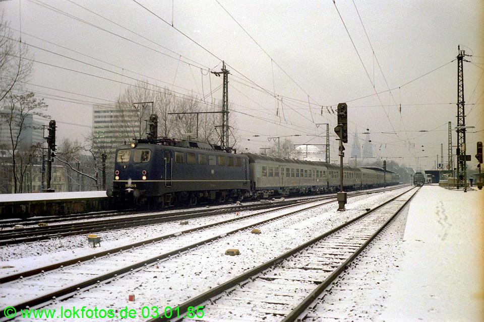 http://www.lokfotos.de/fotos/1985/0103/04400.jpg