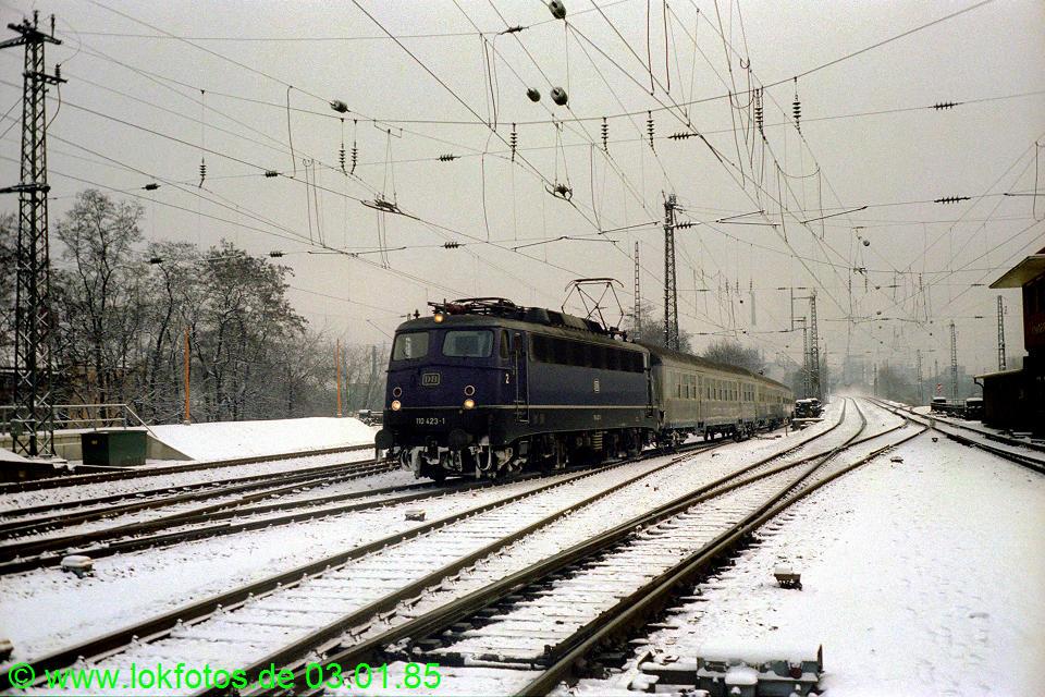 http://www.lokfotos.de/fotos/1985/0103/04401.jpg