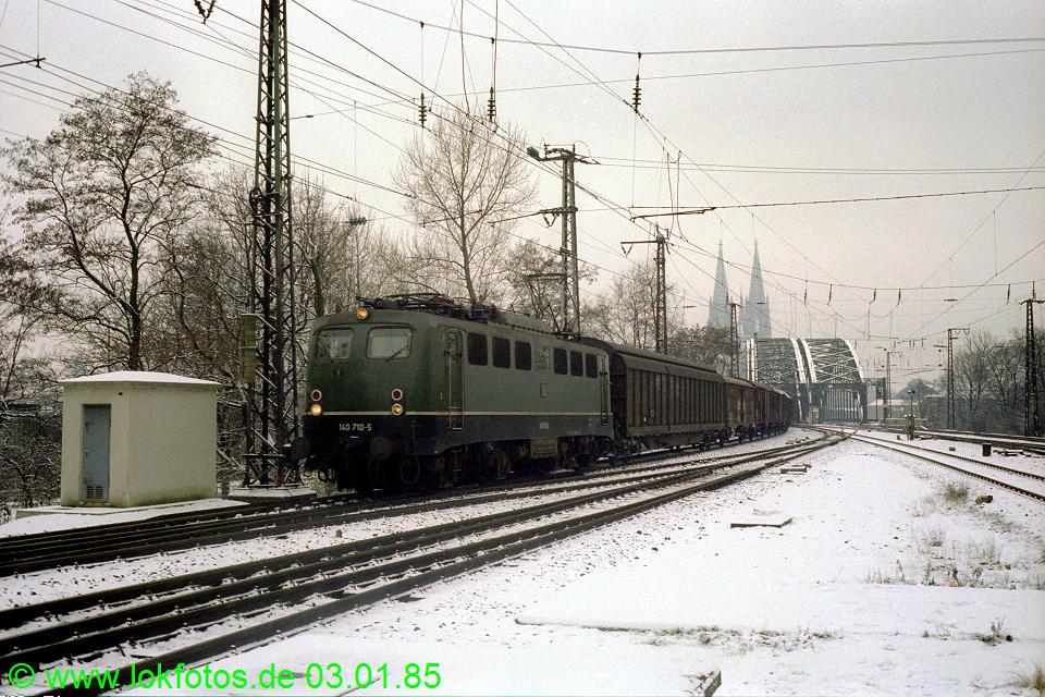 http://www.lokfotos.de/fotos/1985/0103/04411.jpg