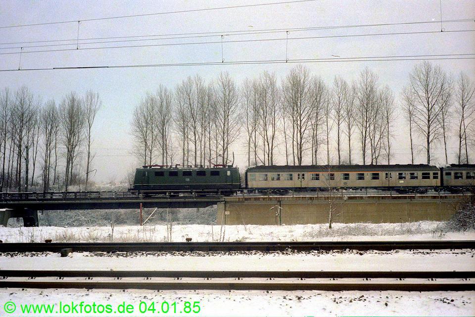 http://www.lokfotos.de/fotos/1985/0104/04418.jpg