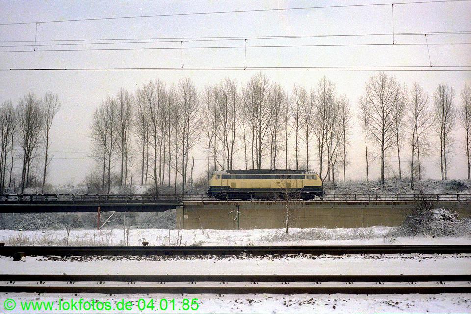 http://www.lokfotos.de/fotos/1985/0104/04419.jpg