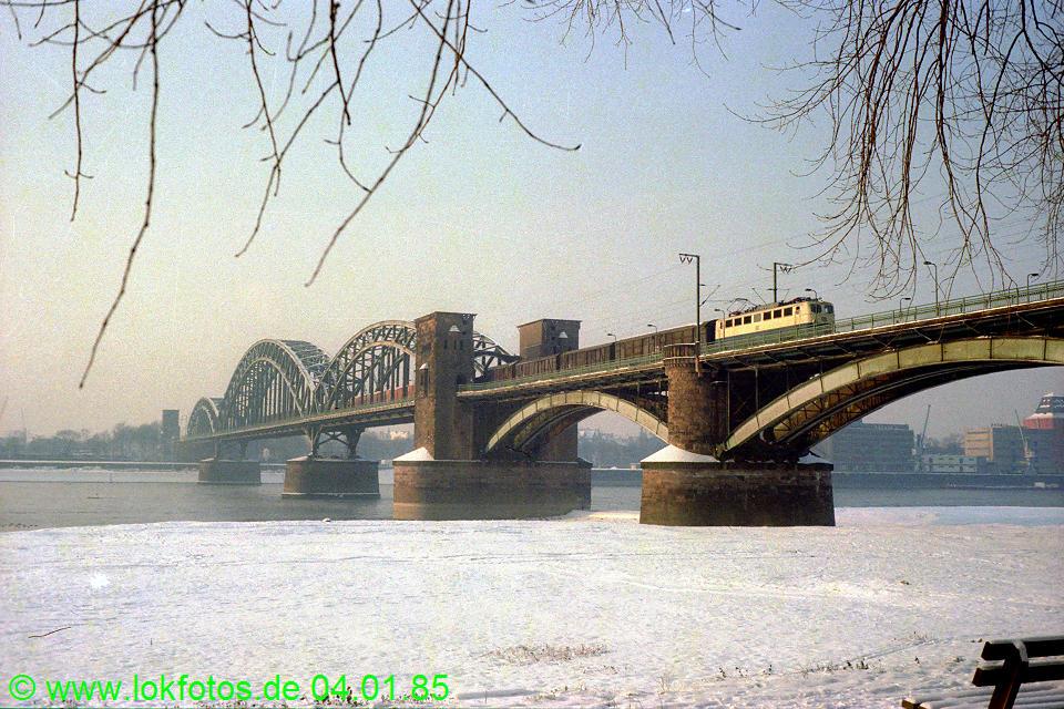 http://www.lokfotos.de/fotos/1985/0104/04426.jpg