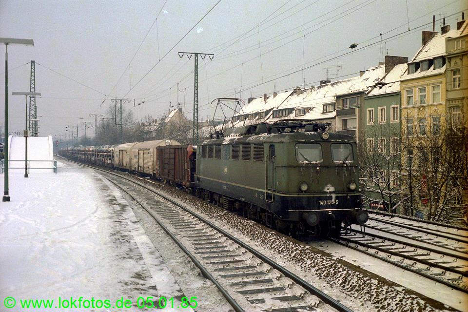 http://www.lokfotos.de/fotos/1985/0105/04429.jpg
