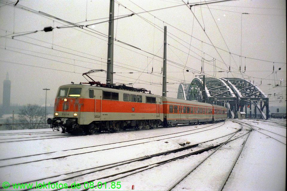 http://www.lokfotos.de/fotos/1985/0108/04442.jpg