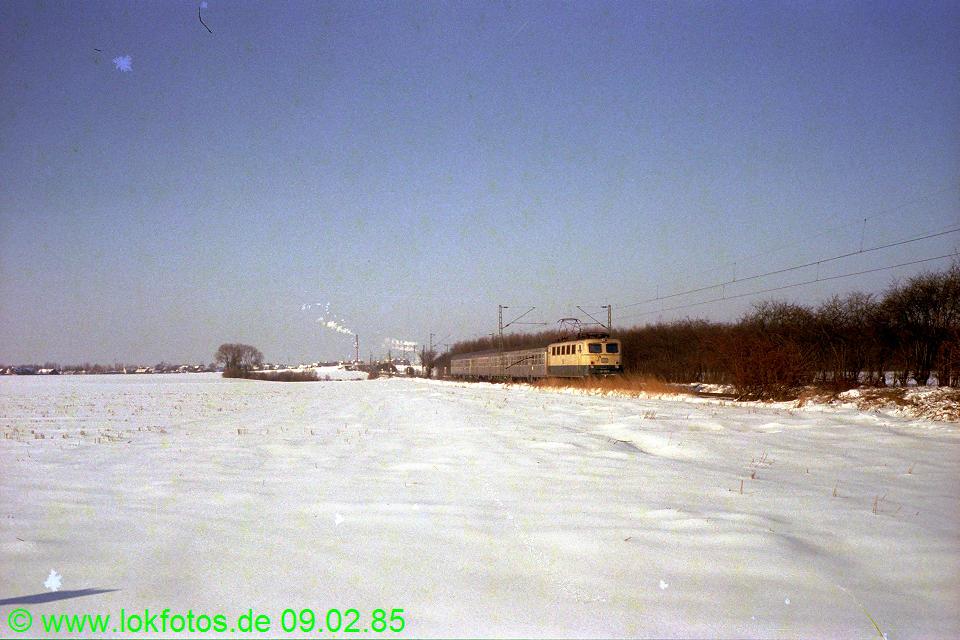 http://www.lokfotos.de/fotos/1985/0209/04446.jpg