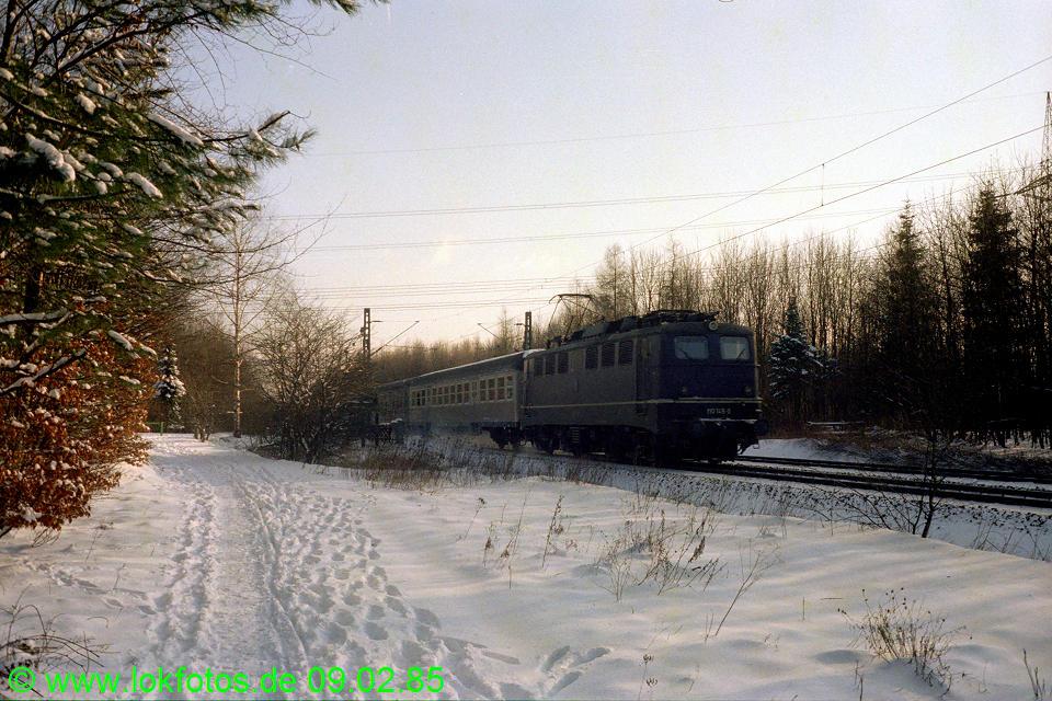 http://www.lokfotos.de/fotos/1985/0209/04448.jpg