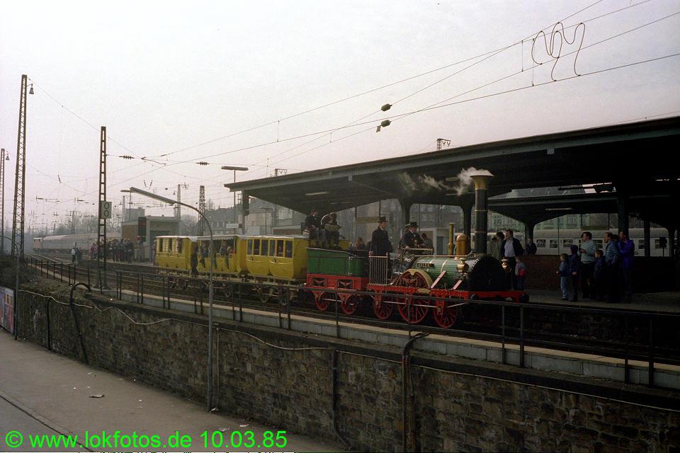 http://www.lokfotos.de/fotos/1985/0310/04454.jpg