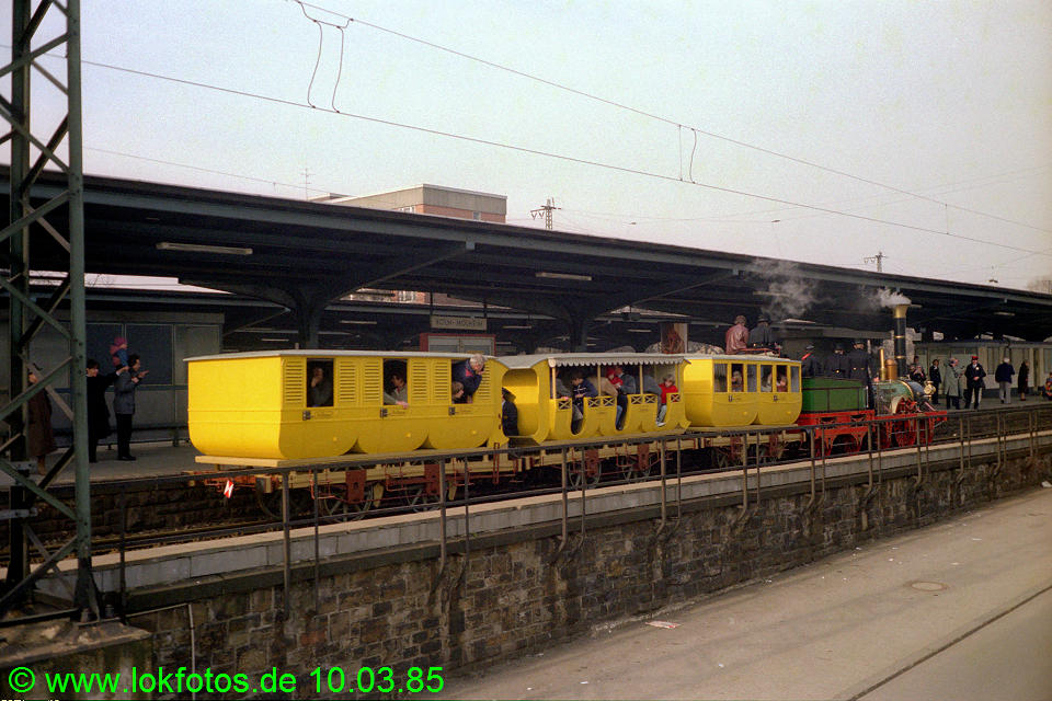 http://www.lokfotos.de/fotos/1985/0310/04455.jpg