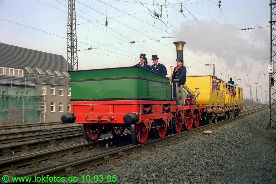 http://www.lokfotos.de/fotos/1985/0310/04458.jpg