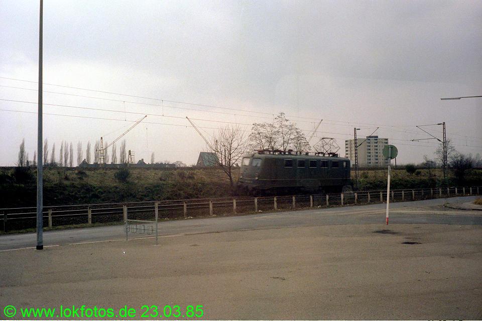 http://www.lokfotos.de/fotos/1985/0323/04478.jpg
