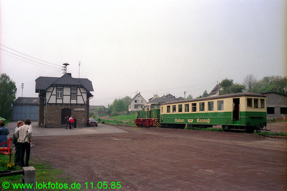 http://www.lokfotos.de/fotos/1985/0511/04573.jpg