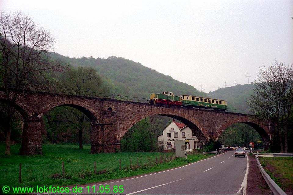 http://www.lokfotos.de/fotos/1985/0511/04584.jpg