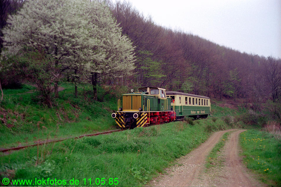 http://www.lokfotos.de/fotos/1985/0511/04587.jpg