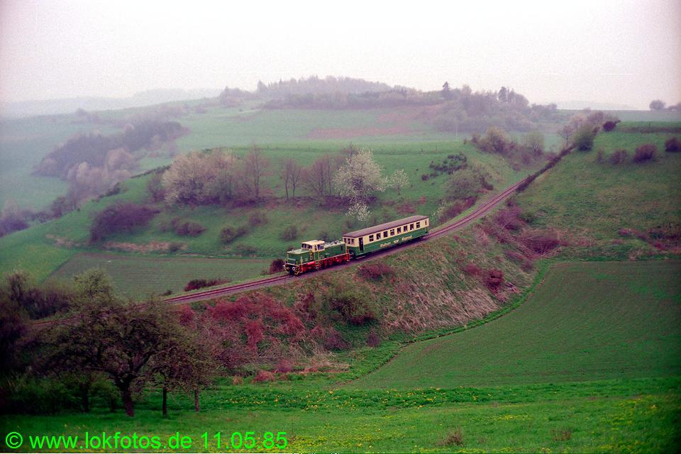 http://www.lokfotos.de/fotos/1985/0511/04590.jpg