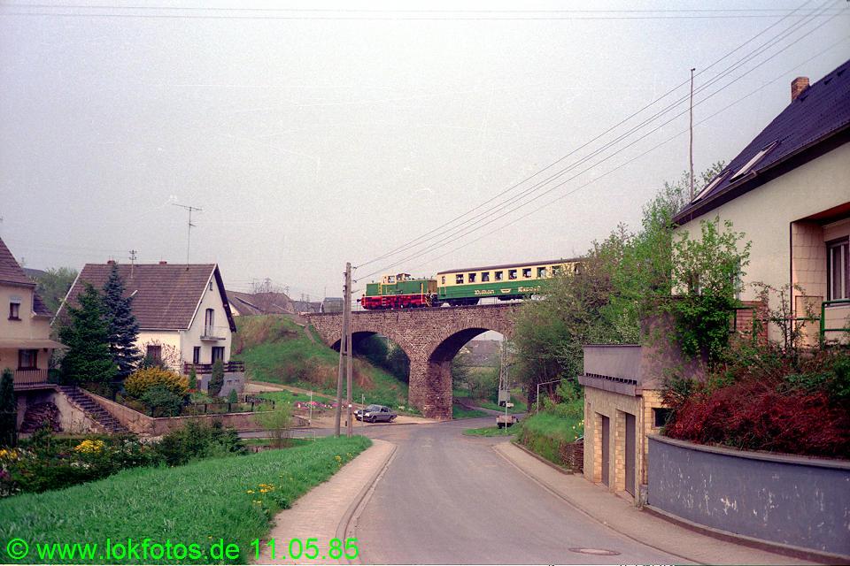 http://www.lokfotos.de/fotos/1985/0511/04594.jpg
