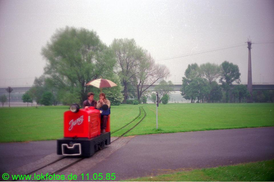 http://www.lokfotos.de/fotos/1985/0511/04596.jpg