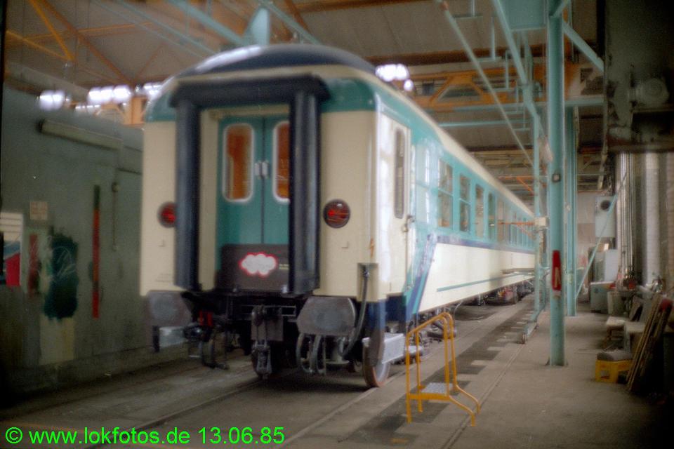 http://www.lokfotos.de/fotos/1985/0613/04646.jpg